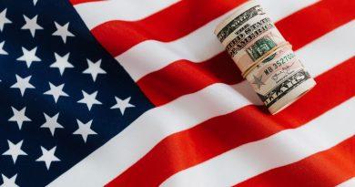 USA: Warren Buffett zarába aj v krízových časoch